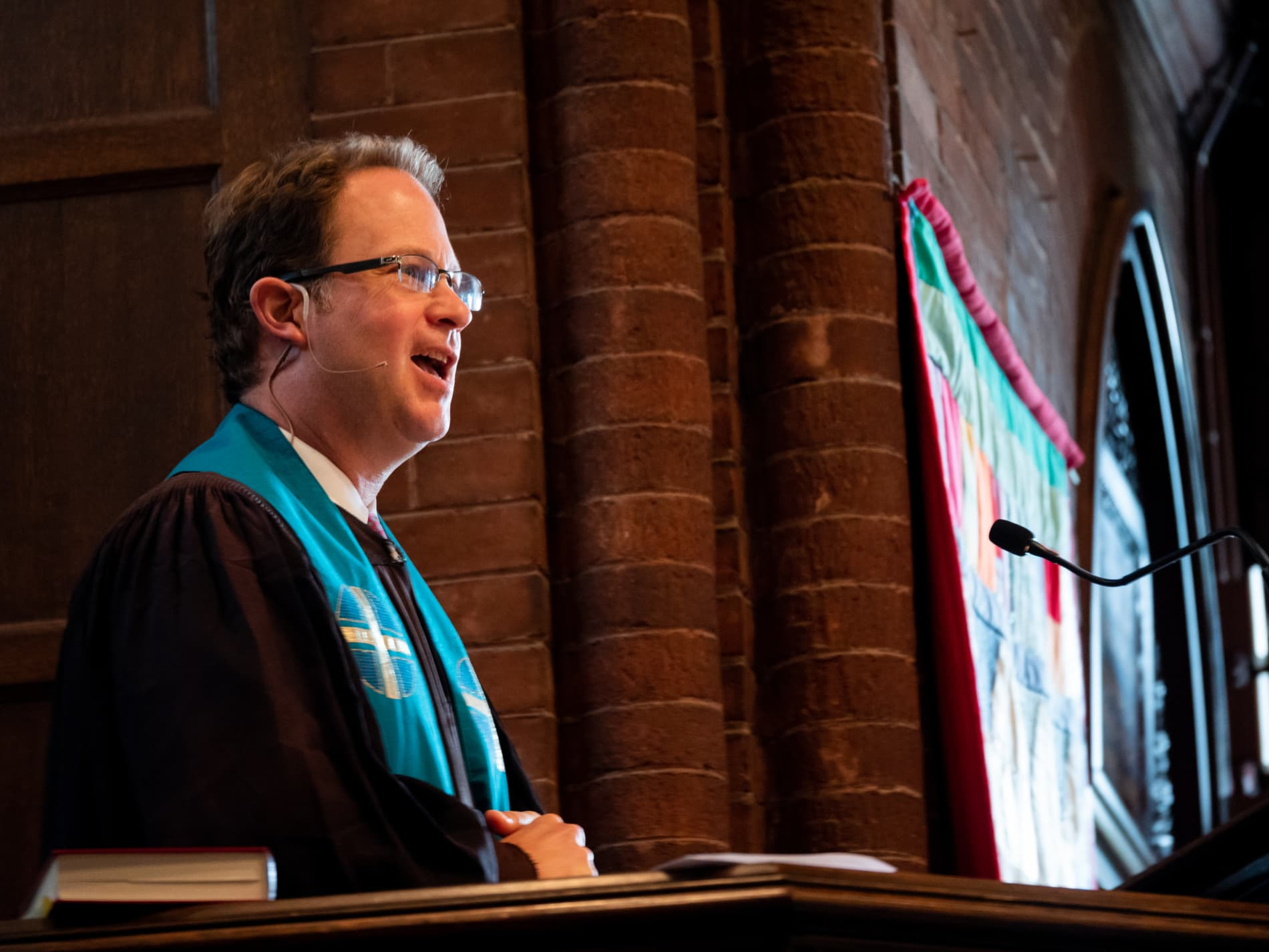 Rev. Jeff Barz-Snell preaches from the pulpit