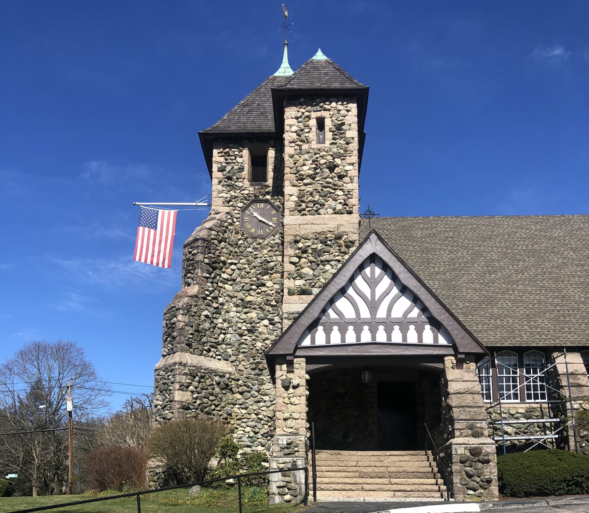 First Parish Church in Weston